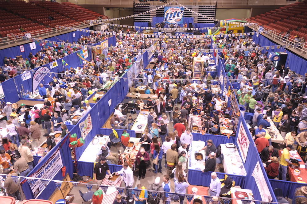 chili-tasting-crowd-2012